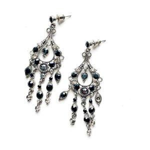 2/$15 ⭐️ Silver & Black Chandelier Dangly Earrings